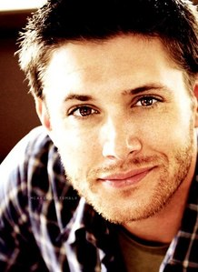 Post a pic of an actor with stubble.