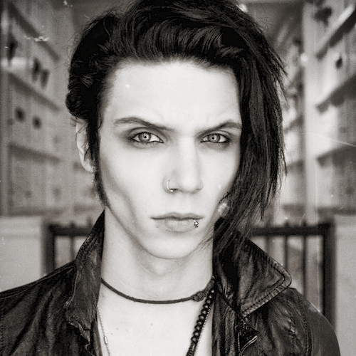 Post a pic of an actor или singer which is beautiful.