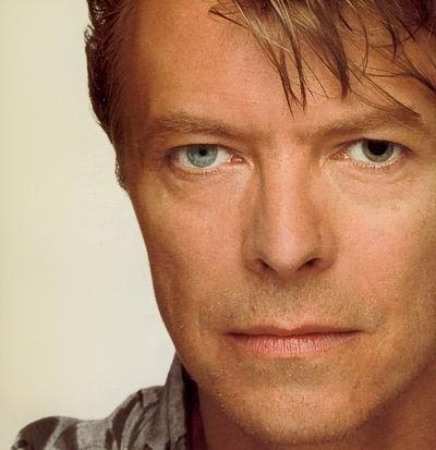 Post a BOWIE pic mostrando his eyes.