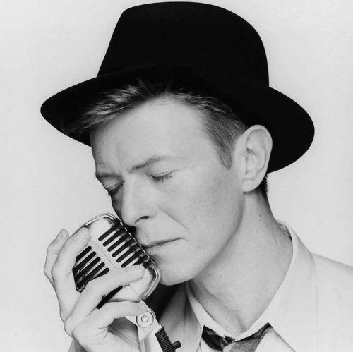 Post an actor অথবা singer wearing a hat.