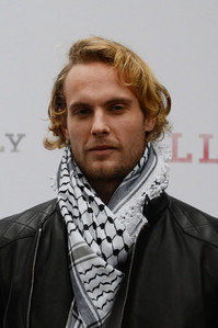 Post an actor wearing a scarf.