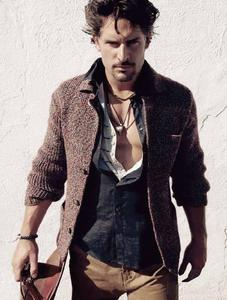 Post a picture of an actor wearing a cardigan.