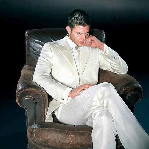 Post a pic of your actor sitting in a chair.
