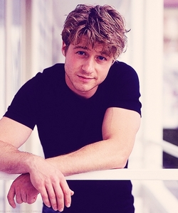 Post a pic of an actor which is adorable.