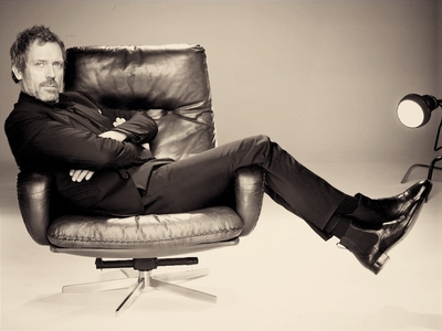 Post a pic of your actor in a chair.