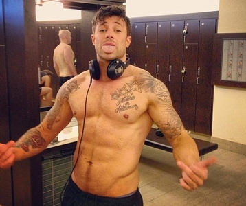 Post a pic of an actor au singer looking in great shape.