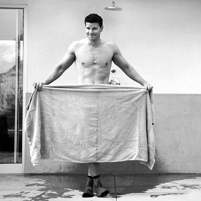 Post a pic of your actor with a towel.