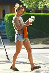 Post a pic of an actress wearing shorts.