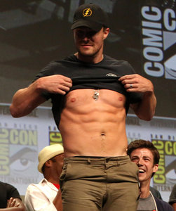 Post a pic of an actor who has nice pecks.