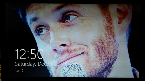 Post a pic of your background/ screensaver/ lock screen if it has your actor...