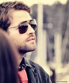 Post a pic of your actor wearing shades.