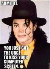 Do wewe have the urge to kiss this picture of MJ
