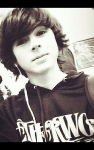 Is chandler  Riggs hot or not??!!!