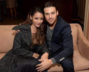 Post a picture of your actor with his girlfriend