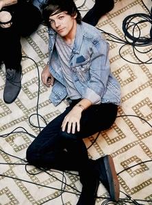 %R2% ~~~ Lou wearing a jacket ~~~ ends Jul-12