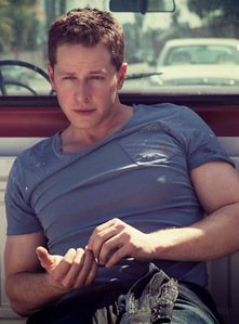 Post a pic of your actor wearing a tight t-shirt.