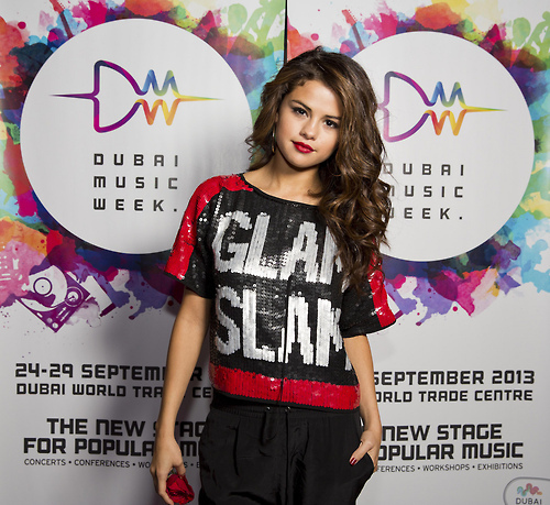 Selena Contest (1)