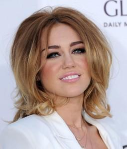 Does anyone else miss pre Bangerz Miley?