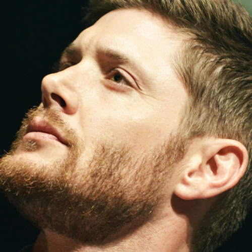 Post a pic of Jensen Ackles with stubble.