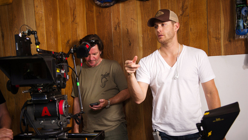 Post a pic of Jensen Ackles wearing white.