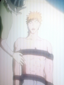 What episode of Bleach was Ichigo shirtless and strapped down sejak kisuke?