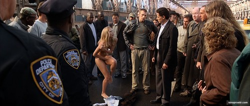 Does Anybody Rememeber that scene in the Fantastic Four when Jessica Alba striped and took her clothes off in front of a crowd. bridge scene.