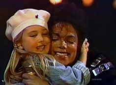 Michael Jackson is a Teddy Bear! (Click here and you'll find out why. ;-) )
