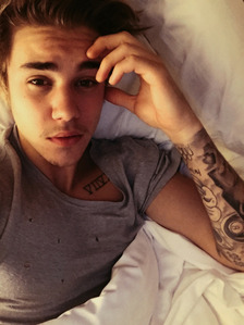 Justin bieber's real phone number HIS REAL NUMBER IS (954)804-3138