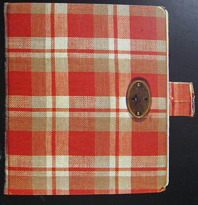 Do 당신 know, where I can buy a diary, that looks like Anne Frank´s diary? I have been looking for a long time... Any help?
