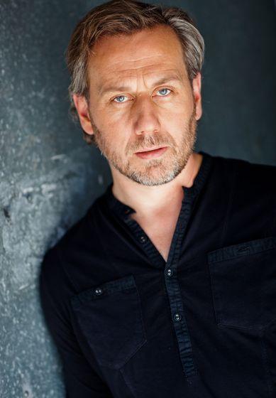 Jonathan Lloyd Walker as Quentin Walsh