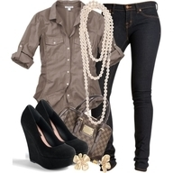 this is sandy's outfit 4 going out with roc royal