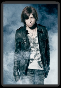 Reno promoting ViViD's 5th major single「REAL」(2012)