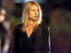 BAD HAIR araw IS NO BIG THING One thing to keep in mind watching Claire Danes run, crouch, cry, and scream in this week's episode: She's doing it while several months pregnant.