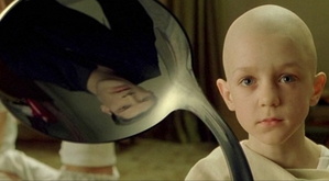"Spoonbender from ""The Matrix"" (1999): Aang before he got his airbending panah tattoos??"