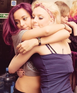 Your the Perrie to my Jade<33