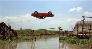 Con jumps the bridge