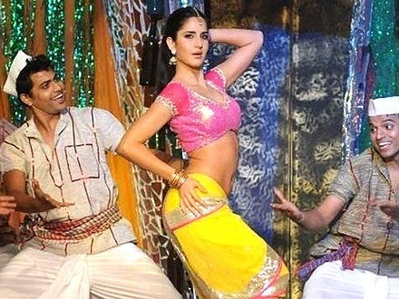 Katrina Kaif performing at Screen Awards