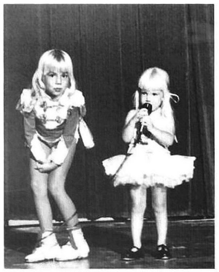 Heather O'rourke Drew Barrymore Heather And Tammy O'rourke on