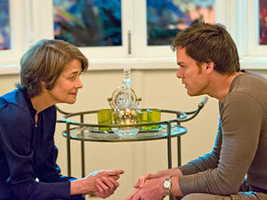 SO, आप KILL HERE OFTEN? Dr. Vogel (Charlotte Rampling) and डेक्स्टर (Michael C. Hall) get to know each other.