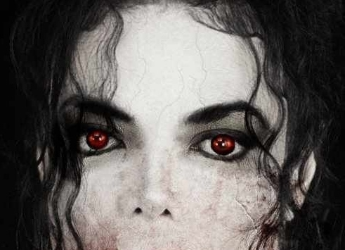 his red eyes bewitches me even meer than usual... *0*