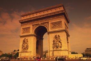 On Location In Paris With Maris
