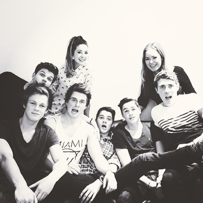 thank आप for getting me into youtubers :D they are my life