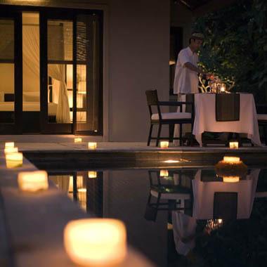 The innamorati Having cena At Maris' House da The Swimming Pool