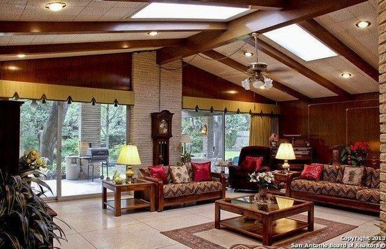 The Spacious Living Room At Their New घर