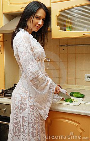 Maris In The Kitchen Cooking Breakfast