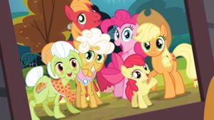 Apple Family photo
