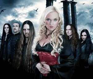 Leaves' Eyes with the amazing female front singer Liv Kristine, discoverd this band just a few months hace and they're already one of my new favorito! bands