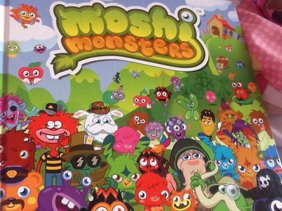 Lots of moshi monsters and moshlings