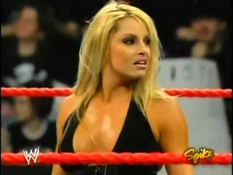 Trish Stratus in ring