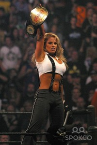 Trish successfully defends her championship against Christy Hemme
